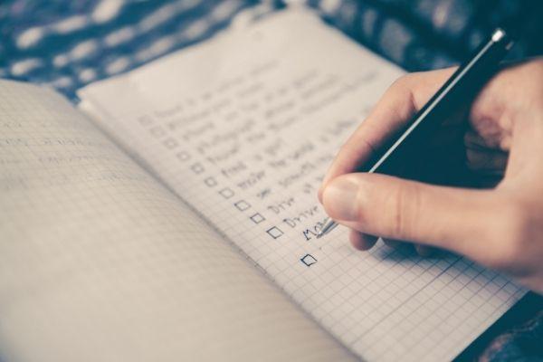 Definindo metas para engajar colaboradores